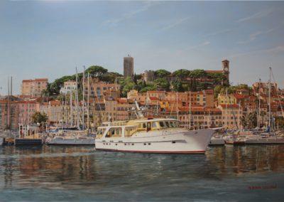 Yacht dans le vieux port de Cannes
